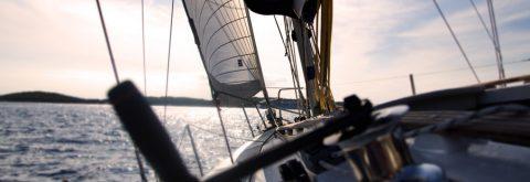 Bucea desde un velero